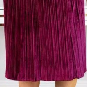 Ava & Viv Skirts - Ava & Viv ~ Quaint Berry ~ Size X ~ Pleated Skirt